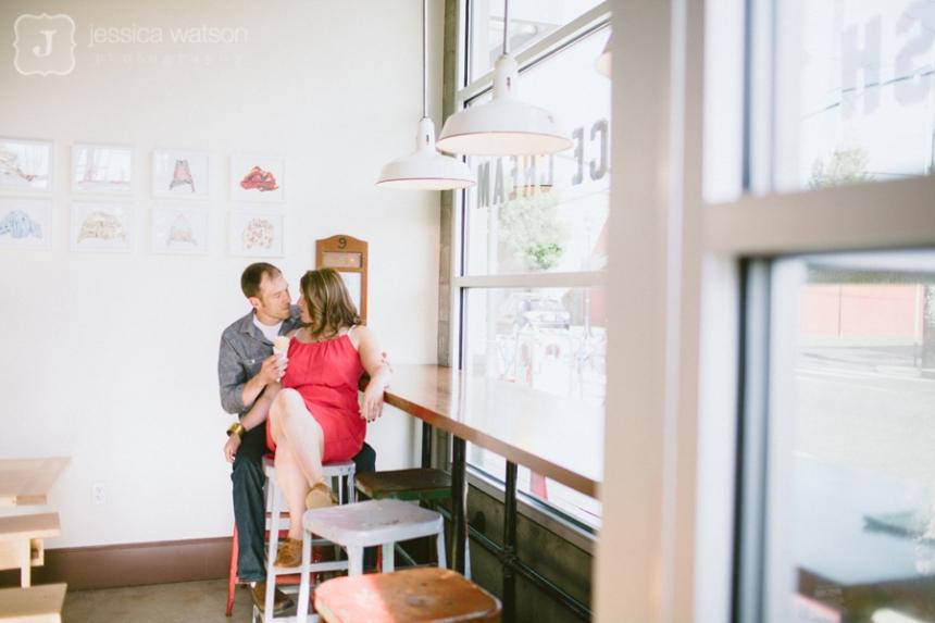 portland wedding photographer, salt & straw ice cream, portland engagement session