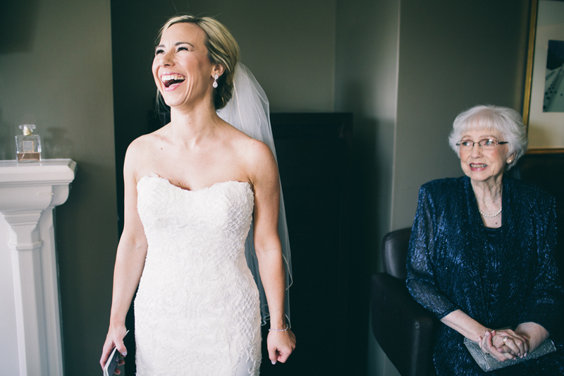bride-get-ready-hotel-laughing-grandma